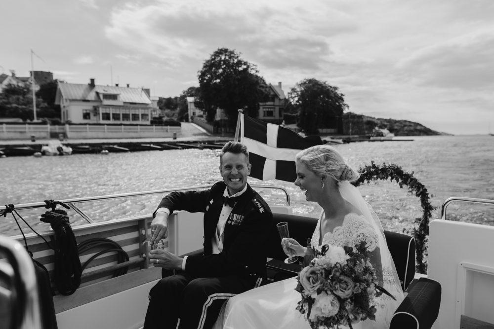 bröllop ale, Bröllop göteborg, bröllop grand hotell, bröllop i uniform, bröllop marstrand, bröllop marstrands kyrka, bröllop på marstrand, bröllop vid havet, bröllopfoton marstrand, bröllopsbilder göteborg, bröllopsfotograf Ale, bröllopsfotograf Göteborg, Bröllopsfotograf Jennifer Nilsson, bröllopsfotograf kungälv, bröllopsfotograf marstrand, bröllopsfotograf västkusten, bröllopsfotografering marstrand, bröllopsklänning ivory and grace, bröllopsporträtt vid havet, fest marstrand, fest på marstrand, församlingshemmet marstrand, Fotograf Jennifer Nilsson, havsbröllop, ivory and grace bröllopsklänning, marstrand, marstrand solnedgång bröllop, marstrands fästning bröllop, marstrands kyrka, marstrandsbröllop, sabelhäck bröllop. marstrands församlingshem, solnedgång marstrand, uniformsbröllop.bröllop marstrands fästning, västkustbröllop